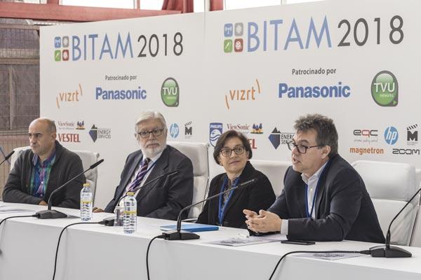 Ponentes en el BITAM 2018 hablando sobre tecnología audiovisual en informativos