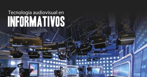 Plato de televisión con iluminación y pantallas