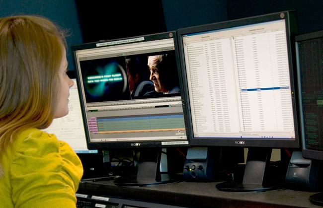 La aplicación Medway de Marquis Broadcast utilizada por una operaria