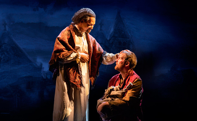 Escena del musical de Les Miserables, de gira en 2019 y 2020 por Reino Unido