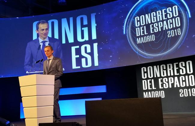 Pedro Duque dando su discurso en la clausura del Congreso del Espacio