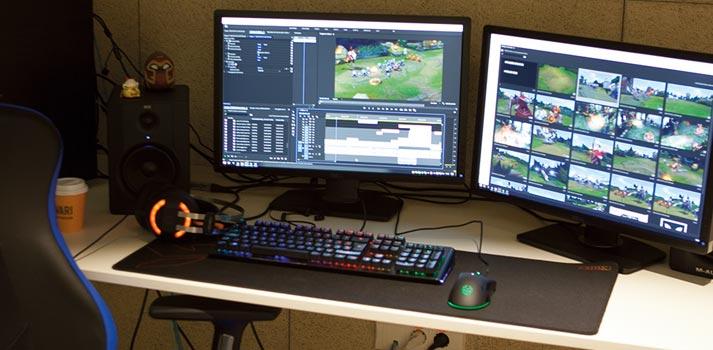 Edición de un vídeo sobre un videojuego en la sede de Movistar Riders