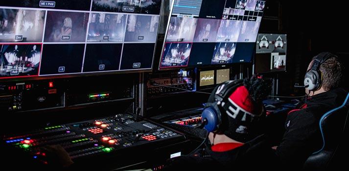 El equipo de LED Shed durante la producción audiovisual de un concierto de Little Mix con equipamiento de Blackmagic Design