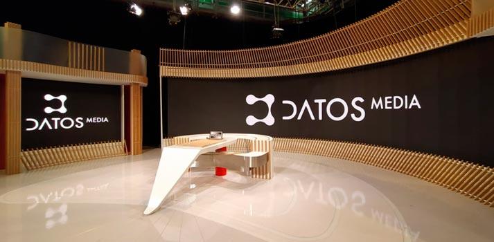 Pantallas LED implementadas por Datos Media con tecnología Alfalite en el plató de España Directo