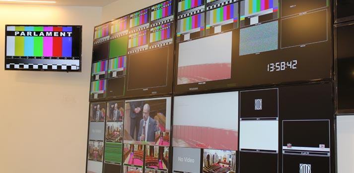 Sistema de control de pantallas implementado en el Parlament de Catalunya