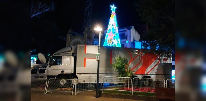 Unidad móvil de Mediapro situada en La Laguna produciendo la programación de fin de año para Televisión Canaria