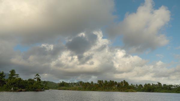 Playa Baracoa. Cuba. Curva CanonLog3 BT2020. 3840x2160 160 Mbps VBR. YUV 4:2:2 10 bits. 25P fps. 180º.Focal 8.3mm T 5.6 1/3. 6450 Kº. ND 1/16(ND1.2) Ganancia 2.5Db. DaVinci ACES cct IDT CanonC200CanonLog3DaylightRec.709 ODT Rec.709