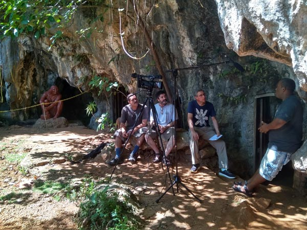 Rodando en el museo arqueológico de Baracoa.