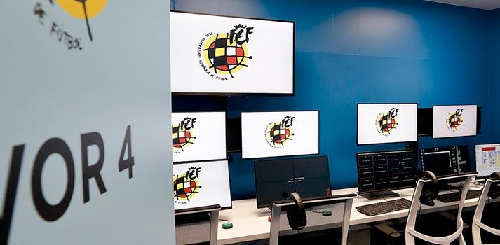 Sala VOR 4 de videoarbitraje ubicada en la sede de la RFEF de Las Rozas