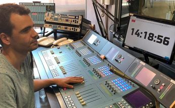 Consola AEQ ARENA recientemente renovada por el equipo de AEQ. - Radio Ciutat de Badalona