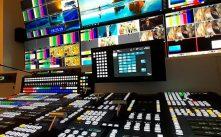 Sala de control en la televisión italiana TV2000