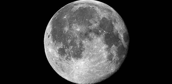 Hispasat despega hacia la luna con la ESA