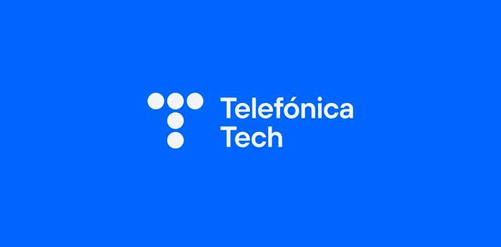 """Telefónica Tech y Microsoft han firmado un acuerdo de colaboración. De este modo, la compañía española ofrecerá sus capacidades de conectividad 5G y la americana sus soluciones de edge computing local para ofrecer servicios a las empresas del sector industrial. Esta firma busca impulsar nuevos procesos de negocio, dentro del concepto """"Smart Factory"""", que cuenta con el uso intensivo de la computación y la inteligencia artificial como base para facilitar la toma de decisiones empresariales y la seguridad de los datos. Desde el punto de vista operativo, esta propuesta permitirá a los clientes industriales desplegar una conectividad privada y capacidades computacionales en sus instalaciones de forma integrada. """"Este acuerdo de colaboración entre Telefónica Tech y Microsoft, aprovechando las capacidades y experiencias de ambas compañías, nos permitirá ofrecer a nuestros clientes un marco para la creación, despliegue y operación de soluciones industriales y sus comunicaciones privadas de forma integrada dentro y fuera de la fábrica. Este marco responde a las necesidades de aquellas empresas que desean desplegar casos de uso industrial exigentes sobre una conectividad privada segura y de alto rendimiento, centrándose en la simplicidad, replicabilidad y escalabilidad"""", afirma Gonzalo Martín-Villa, CEO de IoT y Big Data de Telefónica Tech. """"Junto con Telefónica Tech, podemos permitir que las empresas aprovechen el 5G para acelerar la transformación e impulsar la innovación a través de escenarios industriales dentro de sus propias redes privadas"""", afirma Yousef Khalidi, vicepresidente corporativo de Azure para Operadores de Microsoft. """"Socios como Telefónica Tech son fundamentales para ayudarnos a satisfacer las necesidades locales de nuestros clientes industriales. Estamos deseando trabajar juntos para ayudar a nuestros clientes a aprovechar esta plataforma para impulsar la transformación de sus negocios y el de la industria en su conjunto en un futuro próximo""""."""